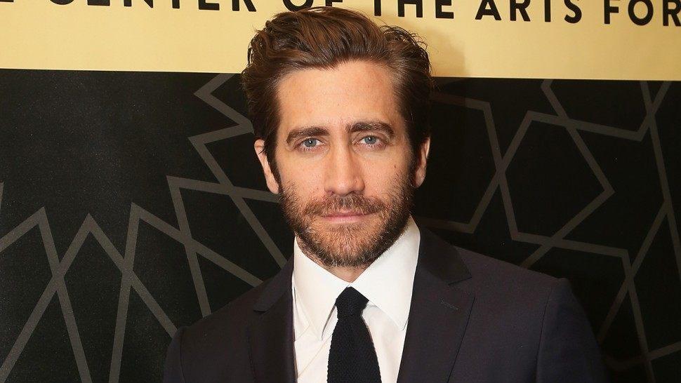 """Jake'as Gyllenhaalas oficialiai patvirtino, jog atliks Mysterio vaidmenį naujame """"Žmogaus – voro"""" filme"""